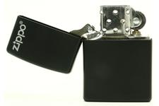 Zapalniczka ZIPPO Black Matte z małym logo Zippo